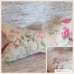 "Leseknochen ""Rosa"" bestickt ! Preis: 23€"