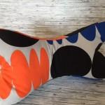 Leseknochen orange/schwarz/blau Preis: 18€