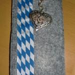 grau mit Bayernband + Herz Preis: 16€