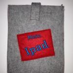 Ipad-Tasche grau/rot Preis: 24€