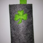 Kleeblatt auf grau Preis: 17€