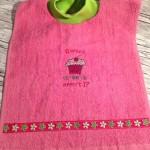 "Lätzchen ""Cupcake rosai"" Preis: 14,90€"