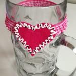 Maßkrugstraps-Filzherz-pink