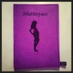 Mutterpass lila Preis: 19€