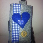 grau mit blauem Herz Preis:  16€