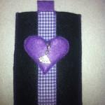 schwarz mit lila Herz Preis: 16€