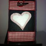 schwarz mit weißem Herz Preis: 16€