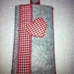 grau mit rotem Herz Preis: 10€