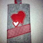 grau mit rotem Herz Preis: 13€