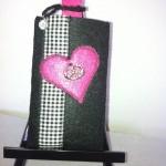 Schwarz mit pinkem Herz Preis: 16€